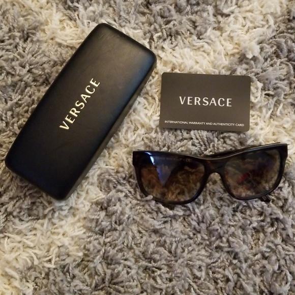 396d5514395 Versace Accessories - Versace sunglasses